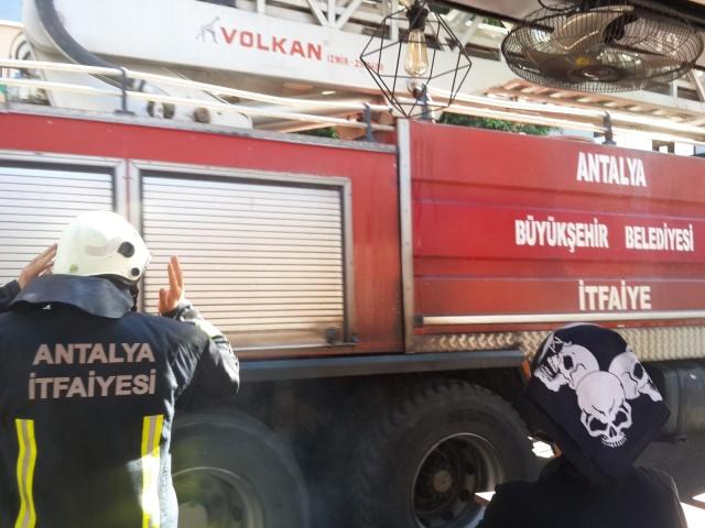 Alanya Atatürk Caddesinde Yangın