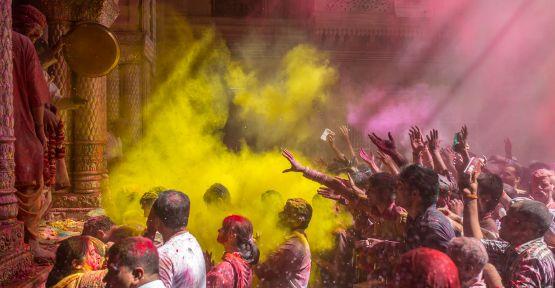 Bu Yıl Bahara Holi Festivali'yle Merhaba Deyin!