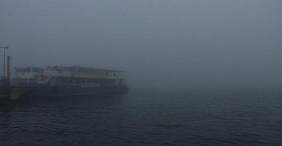 Yüzlerce gemi geçiş için bekliyor