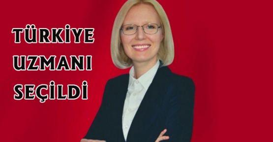 Türkiye uzmanı seçildi.