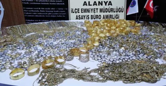 Sahte altın satan kuyumcu tutuklandı