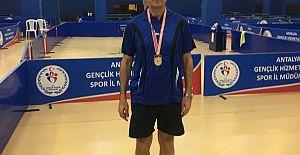 Antalya Veteran Masa Tenisiçileri Göz Doldurdu