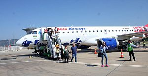 Gazipaşa'ya Azerbaycan Uçağı