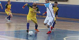 Türkiye 1. Lig Futsal 2. Devre Müsabakaları 75. Yıl Spor Salonu'nda başladı.