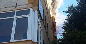 Alanya Atatürk Caddesinde Yangın Korkuttu