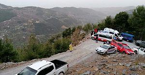 Otomobil Susuz YAYLASINDA uçuruma yuvarlandı