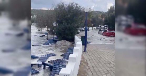 Deprem Ege Denizi'nde Tsunami yarattı