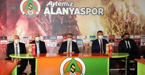 Vali Yazıcı, Başkan Çavuşoğlu'nu kutladı