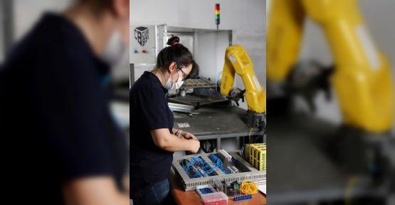 İşsizlikten korkan gençler otomasyon eğitimine yöneldi