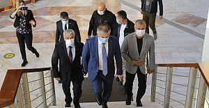 Antalya Valisi Ersin Yazıcı Manavgat Belediye Başkanını makamında ziyaret etti.