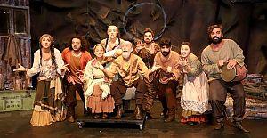 Alanya Belediye Tiyatrosu,5 ödül birden kazandı